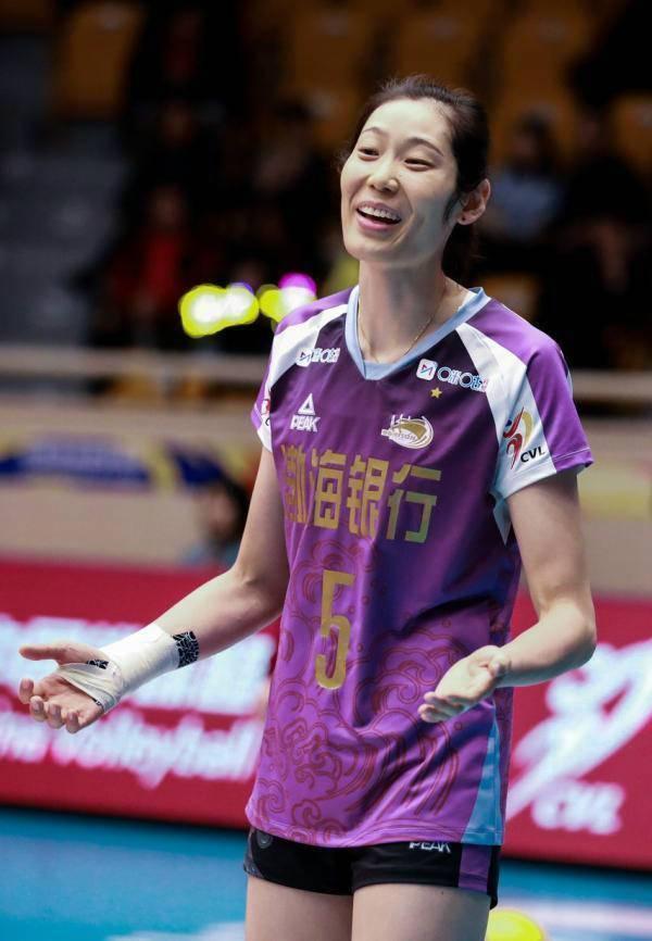 天津女排夺冠 女排队长朱婷斩获个人首个排超冠军